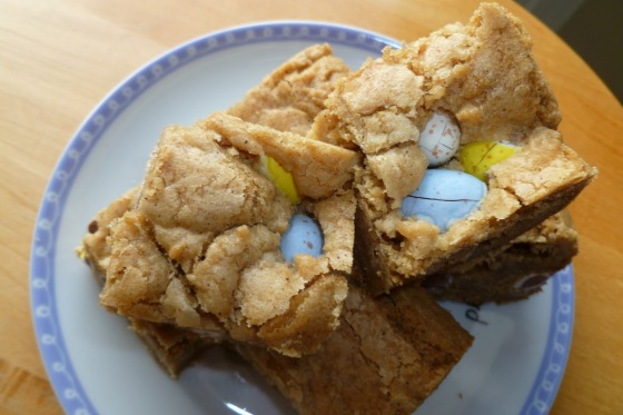 cadbury mini eggs blondies 1 - blog